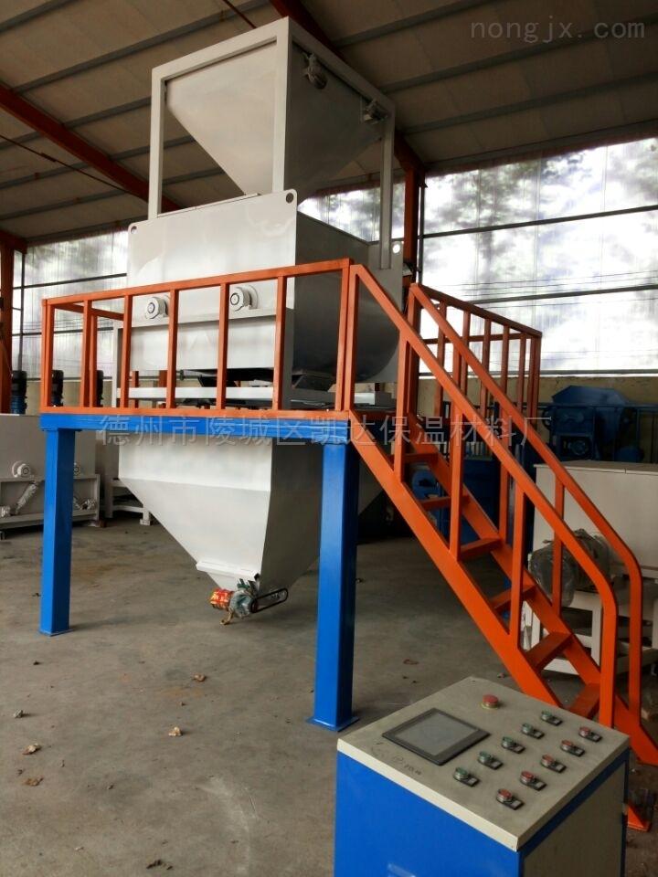 欢迎来厂考察外墙保温装饰一体板生产线设备