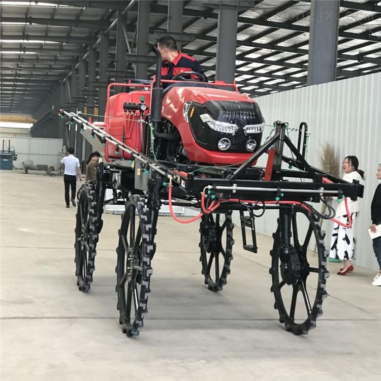 農用四輪自走式噴桿噴霧機生產廠家