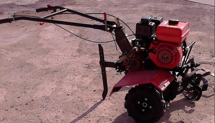 小型汽油微耕机多功能新型旋耕_机 重量轻