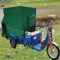 两方电动牛羊喂料机 普遍出现在牛场撒料车