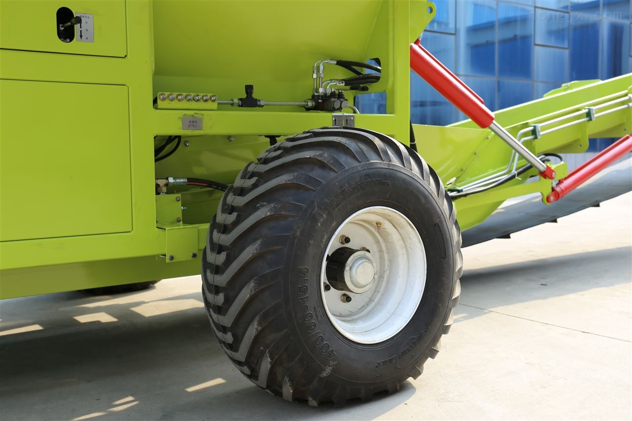 农场自动秸秆粉碎机